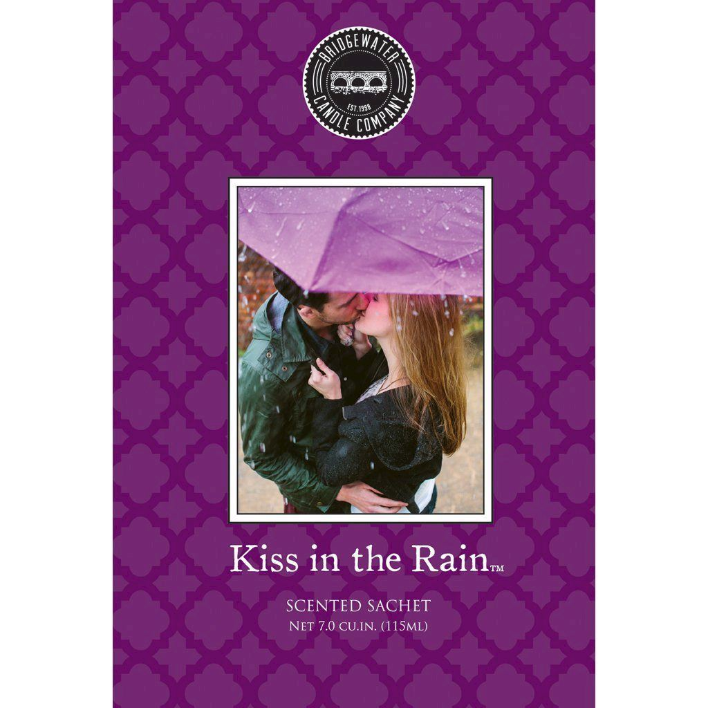 Саше Kiss in The Rain BW106145